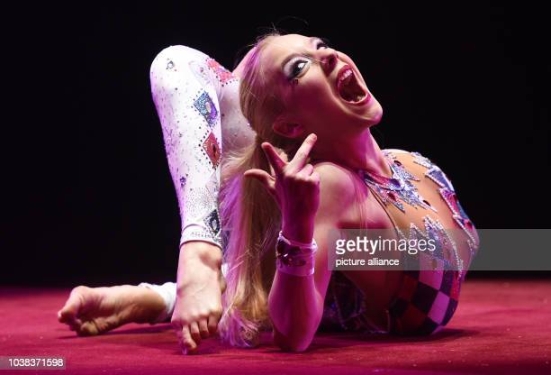 Artist Jordan McKnight performing at the premiere of the Winter program of the Circus Krone in Munich Germany 25 December 2015 Photo TOBIAS HASE/DPA...