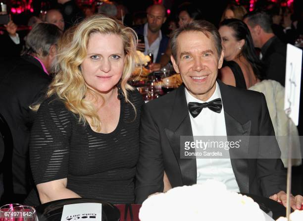 Artist Justine Wheeler Koons and Honoree Jeff Koons at the MOCA Gala 2017 honoring Jeff Koons at The Geffen Contemporary at MOCA on April 29 2017 in...