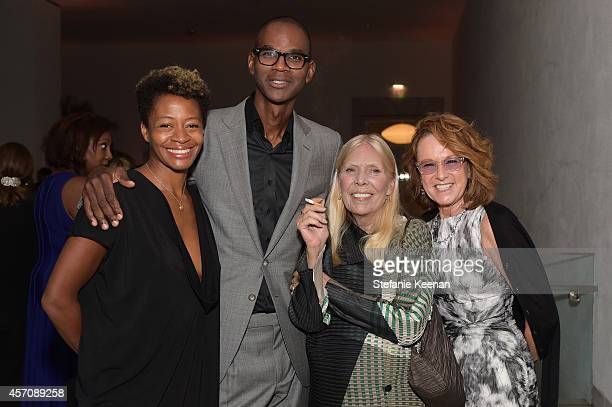 Artist Kara Walker honorees Mark Bradford Joni Mitchell and Hammer Museum Director Ann Philbin attend the Hammer Museum's 12th annual Gala in the...