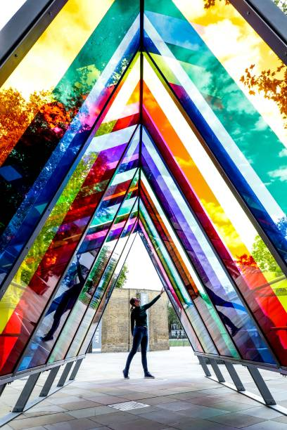 GBR: Kensington + Chelsea Art Week - Artists Photocall