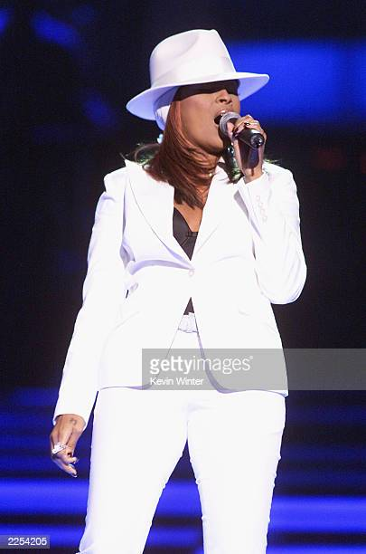RB artist Mary J Blige performs live at the My VH1 Music Awards 2001 at the Shrine Auditorium in Los Angeles CA Sunday Dec 3 2001 Photo by Kevin...
