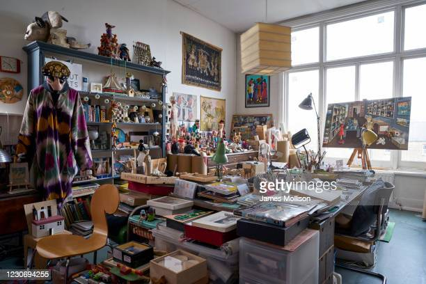 Artist, painter, sculptor, art collector and one of the co-founders of the Office of Metropolitan Architecture , Madelon Vriesendorp' studio is...