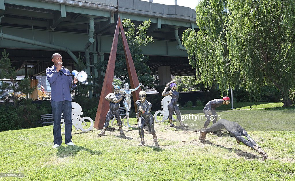 Art Students League Of New York Sculpture Unveiling : News Photo