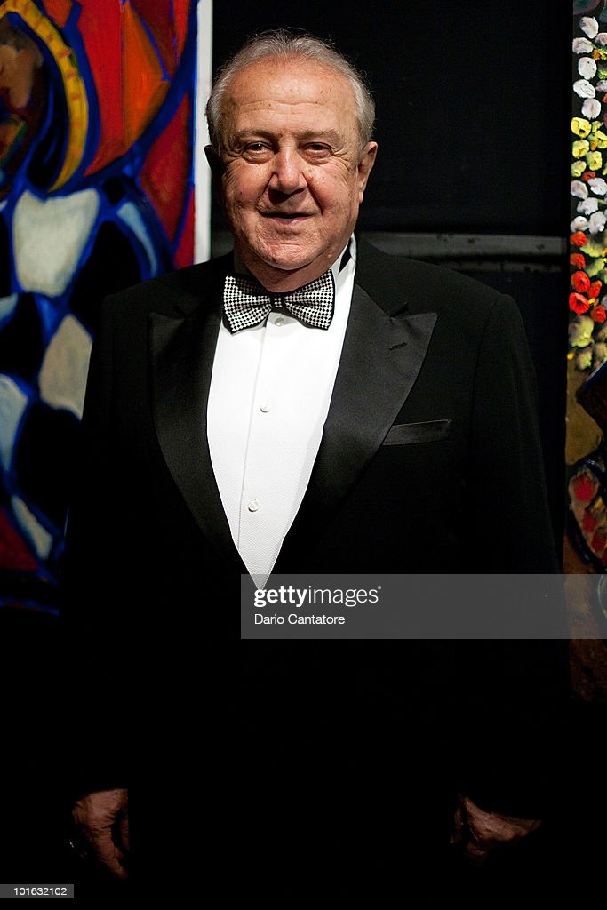 Artist Zurab Tsereteli attends The National Arts Club Medal Of Honor Dinner at The National Arts Club on June 4, 2010 in New York City.