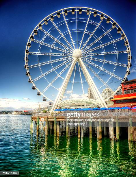 Artistic view of the Seattle Great Wheel