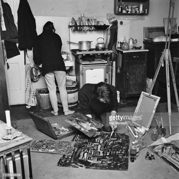 Artists Iris and Barry Dawson at their bedsit in Chelsea London September 1959 To support themselves they work as a van driver and window dresser...
