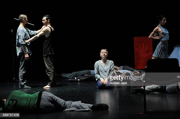 """Artists of the Forsythe Company in William Forsythe's production """"Decreation"""" at Sadlers Wells in London."""