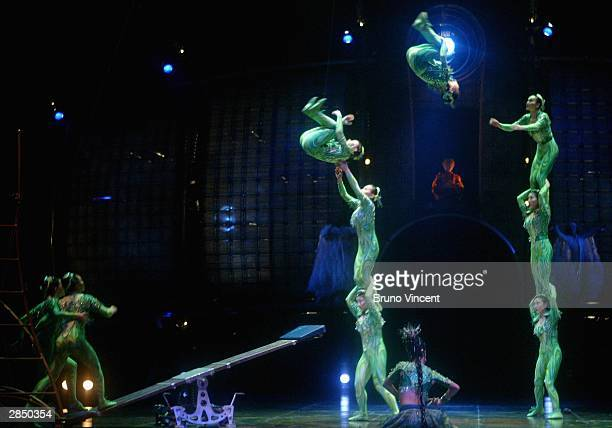 Artists rehearse ahead of the European Premiere for 'Cirque Du Soleil Dralion' at The Royal Albert Hall on January 7 2004 in London The avantgarde...