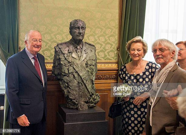 Artist's Wilfried Pas King Albert II of Belgium and Queen Paola of Belgium pictured during the inauguration of sculptures of the King and the Queen...
