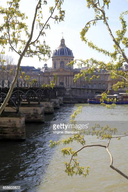 arts bridge and and the french institute on a sunny day of spring. 26 march 2017 - サンジェルマンデプレ ストックフォトと画像