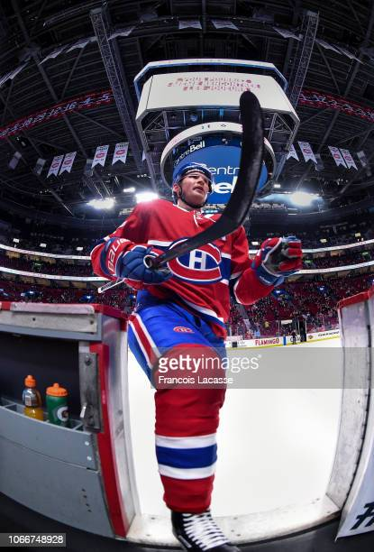 Artturi Lehkonen of the Montreal Canadiens warms up prior to the game against the Buffalo Sabres in the NHL game at the Bell Centre on November 8...