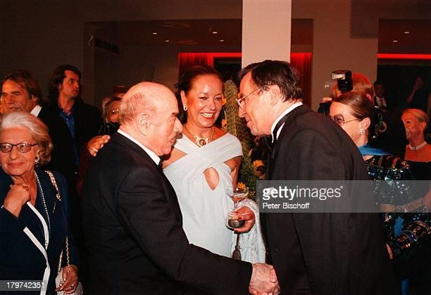 Artur Brauner mit Margie Jürgens und GratulantenGeburtstagsfeier zum 80 Geburtstag vonArtur Brauner im KinoFilmpalastColosseum Berlin Deutschland...