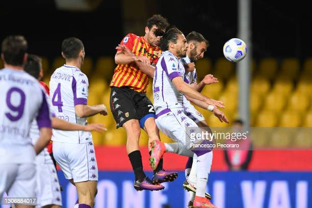 Artur Ionita of Benevento Calcio scores their team's first goal during the Serie A match between Benevento Calcio and ACF Fiorentina at Stadio Ciro...