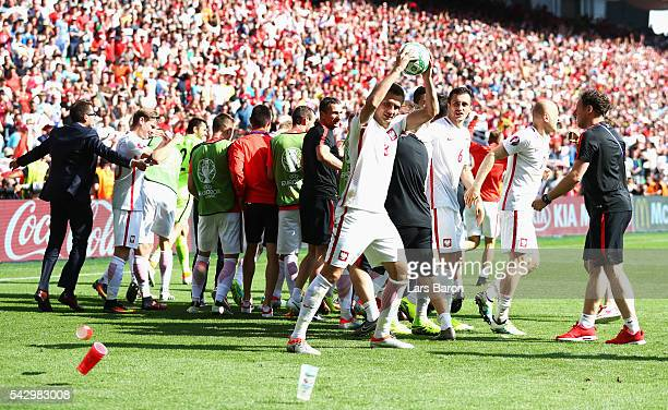 Artur Jedrzejczyk and Poland players celebrate their win after the UEFA EURO 2016 round of 16 match between Switzerland and Poland at Stade...