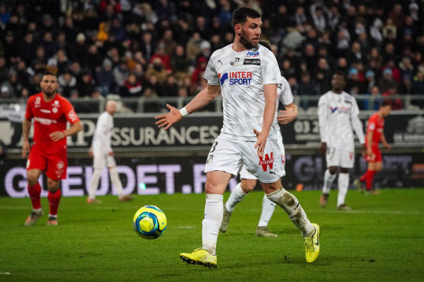 MHSC -EQUIPE DE MONTPELLIER -LIGUE1- 2019-2020 - Page 4 Arturo-calabresi-of-amiens-sc-during-the-ligue-1-match-between-amiens-picture-id1193194665?k=6&m=1193194665&s=612x612&w=0&h=nm9gy9Loctzx4a1QKrIeAONGOVSaZ2U69f0u1fZkGu0=