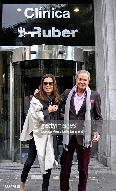 Arturo Fernandez and his wife Carmen Quesada leave the hospital after actor's surgery for slipped disk at Ruber Hospital on November 18 2011 in...
