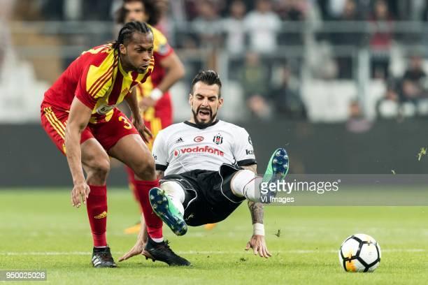 Arturo Rafael Mina of Evkur Yeni Malatyaspor Alvaro Negredo Sanchez of Besiktas JK during the Turkish Spor Toto Super Lig football match between...