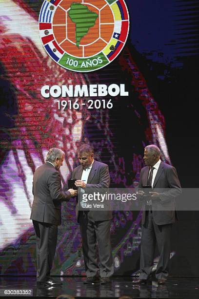 Arturo Sala Vice President of the Conmebol gives an honorary coach licence to Ever Hugo Almeida and Francisco Pacho Maturana during the during the...