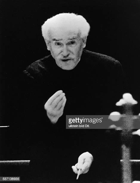 Arturo Toscanini,Arturo Toscanini , Musiker, Dirigent, Italien, Porträt, dirigierend, - 1954