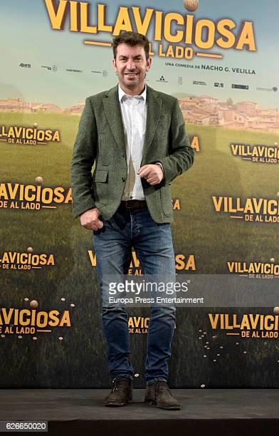 Arturo Valls attends 'Villaviciosa de al lado' photocall at Palacio de los Duques hotel on November 29 2016 in Madrid Spain