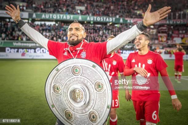 WOLFSBURG GERMANY APRIL Arturo Vidal after winning the Bundesliga match between VfL Wolfsburg and Bayern Muenchen at Volkswagen Arena on April 29...