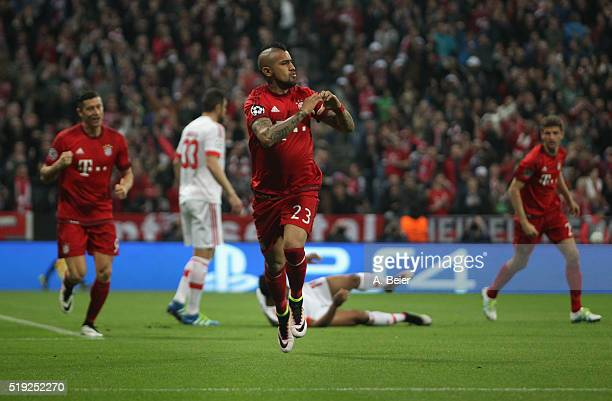 Arturo Vidal of Bayern Muenchen celebrates his first goal during the Champions League quarter final first leg match between FC Bayern Muenchen and SL...