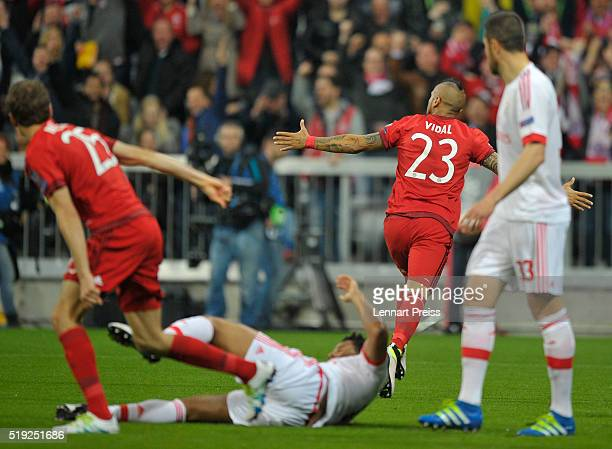 Arturo Vidal of Bayern Muenchen celebrates the opening goal during the UEFA Champions League Quarter Final first leg match between FC Bayern Muenchen...