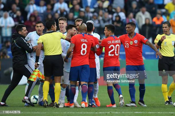 Arturo Vidal of Chile argues with players of Argentina during the Copa America Brazil 2019 Third Place match between Argentina and Chile at Arena...