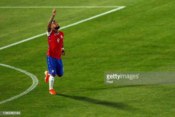Arturo Vidal of Chile celebrates after scoring the equalizing goal via penalty during a match between Chile and Colombia as part of South American...