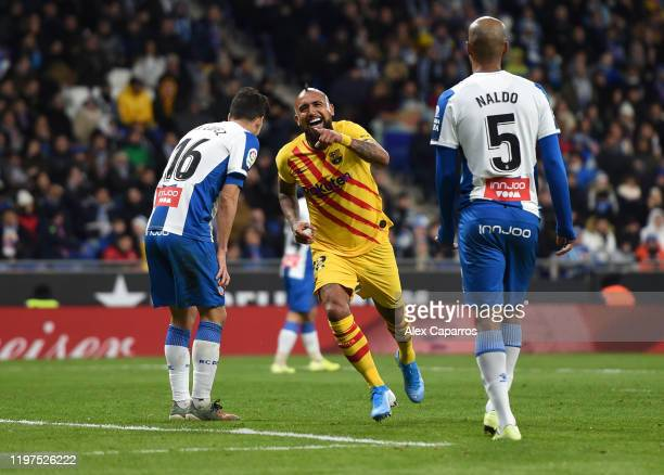 Arturo Vidal of FC Barcelona celebrates after scoring his team's second goal during the La Liga match between RCD Espanyol and FC Barcelona at RCDE...