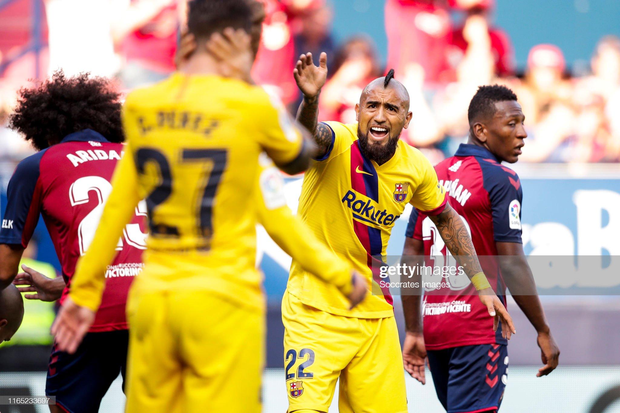صور مباراة : أوساسونا - برشلونة 2-2 ( 31-08-2019 )  Arturo-vidal-of-fc-barcelona-during-the-la-liga-santander-match-v-picture-id1165233697?s=2048x2048