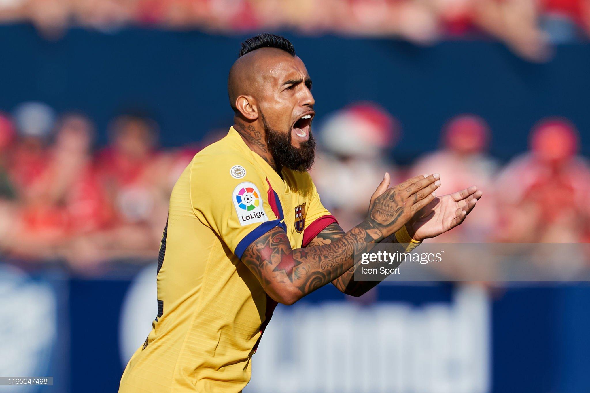 صور مباراة : أوساسونا - برشلونة 2-2 ( 31-08-2019 )  Arturo-vidal-of-fc-barcelona-during-the-liga-match-between-osasuna-picture-id1165647498?s=2048x2048
