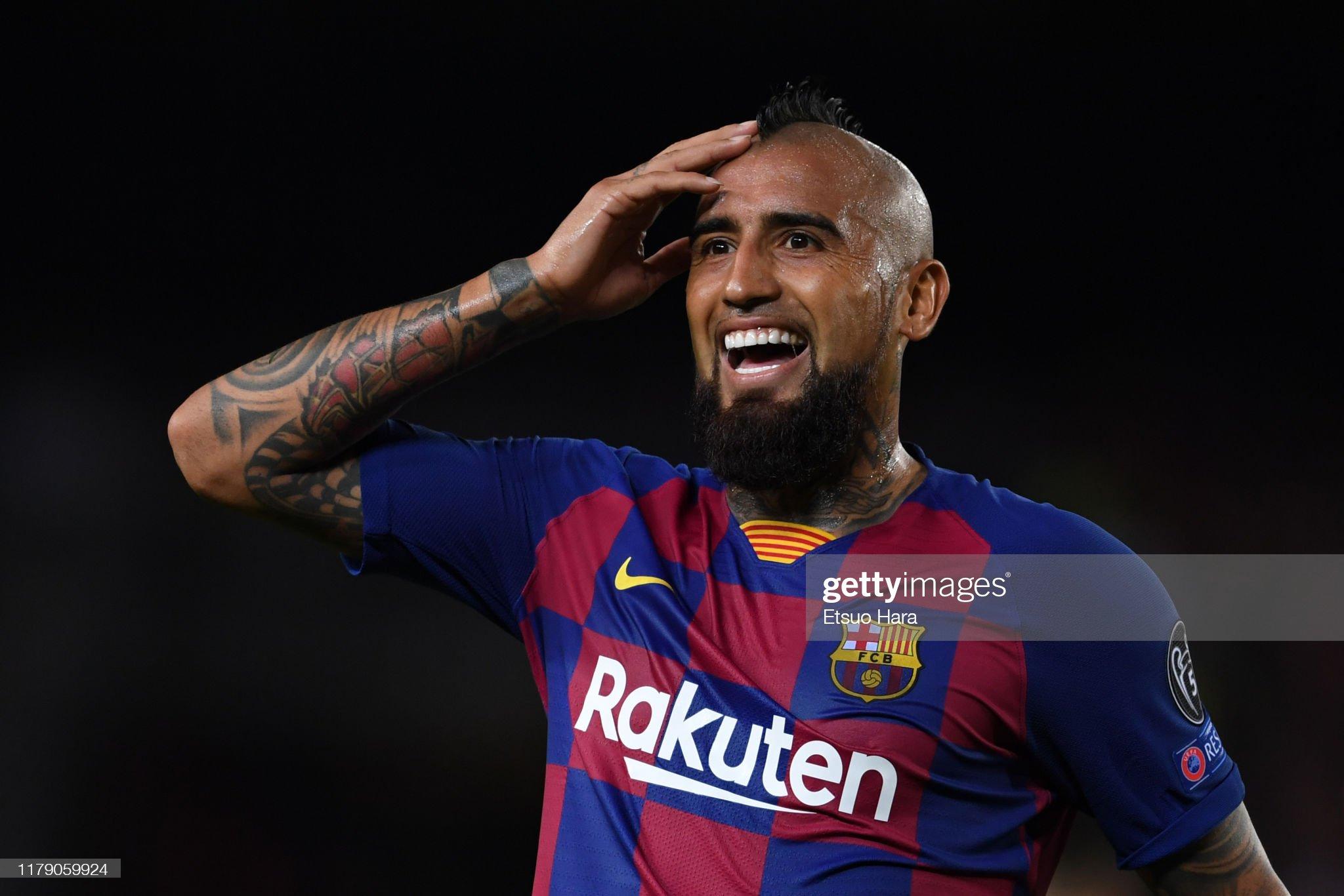صور مباراة : برشلونة - إنتر 2-1 ( 02-10-2019 )  Arturo-vidal-of-fc-barcelona-reacts-during-the-uefa-champions-league-picture-id1179059924?s=2048x2048