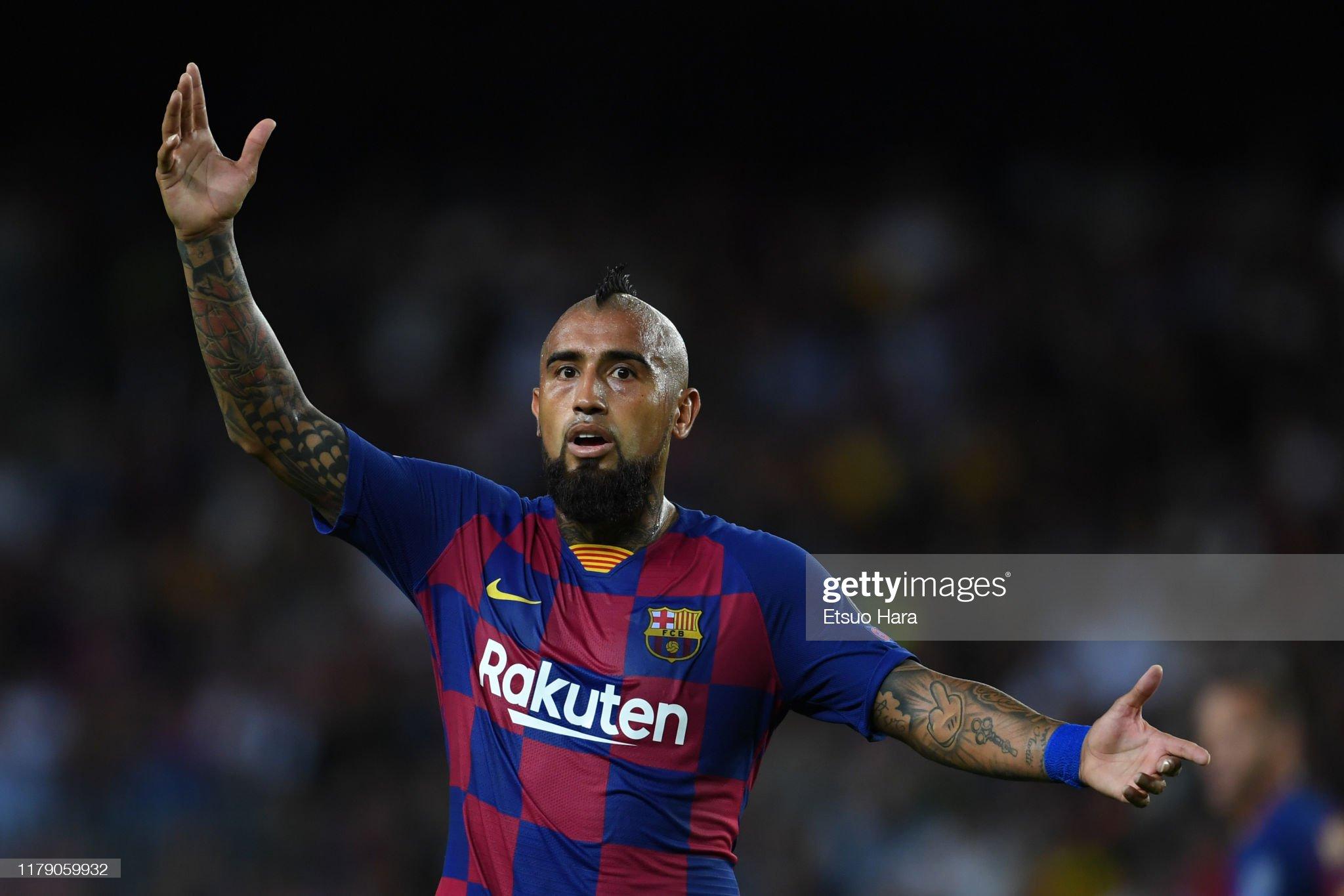 صور مباراة : برشلونة - إنتر 2-1 ( 02-10-2019 )  Arturo-vidal-of-fc-barcelona-reacts-during-the-uefa-champions-league-picture-id1179059932?s=2048x2048