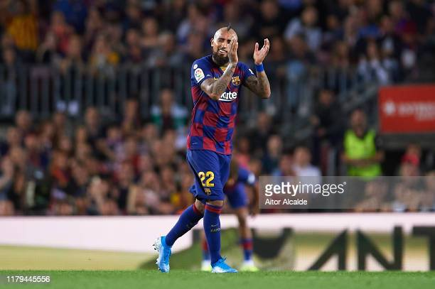 Arturo Vidal of FC Barcelona waves to the fans during the Liga match between FC Barcelona and Sevilla FC at Camp Nou on October 06, 2019 in...