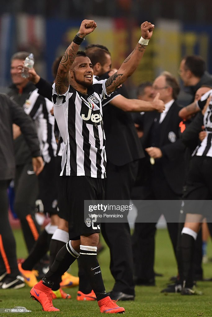 Arturo Vidal of Juventus FC celebrates after beating UC Sampdoria 1-0 to win the Serie A Championships at the end of the Serie A match between UC Sampdoria and Juventus FC at Stadio Luigi Ferraris on May 2, 2015 in Genoa, Italy.