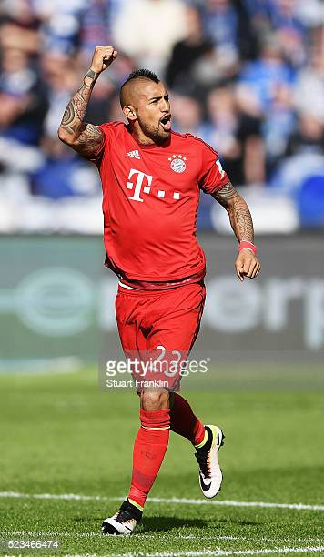 Arturo Vidal of Muenchen celebrates scoring his goal during the Bundesliga match between Hertha BSC and FC Bayern Muenchen at Olympiastadion on April...
