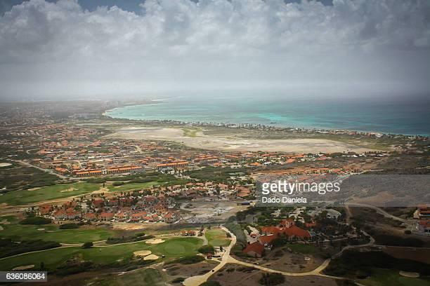 aruba island - oranjestad stockfoto's en -beelden