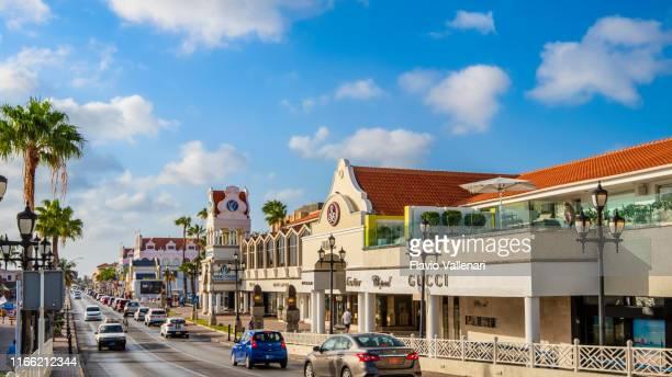aruba, oranjestad-l.g. smith blvd - oranjestad stockfoto's en -beelden
