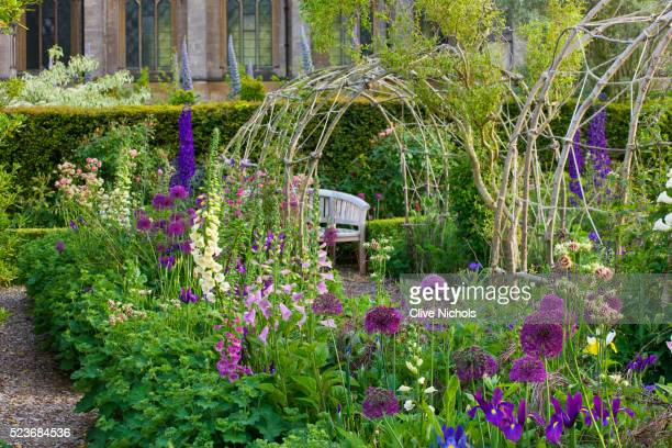 Arundel Castle Gardens, West Sussex: Asthal Manor, Oxfordshire: View along Border with Alliums and