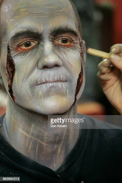 – As part of the Living Vicariously in LA feature reporter William Lobdell will be a monster at Knott s Scary Farm He ll go through make–up and get...