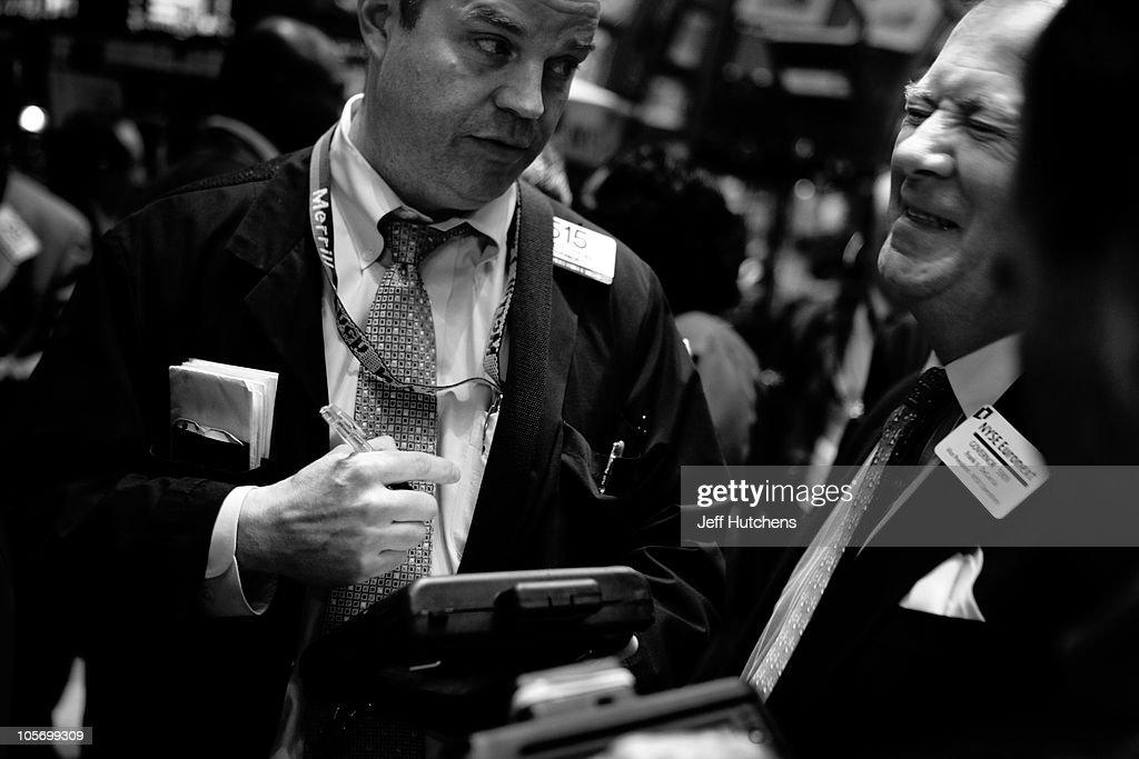 Wall Street Economic Crisis : News Photo