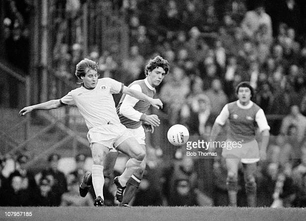 Asa Hartford of Everton is challenged by Paul Vaessen of Arsenal during their Division One match held at Highbury in London on 17th November 1979...