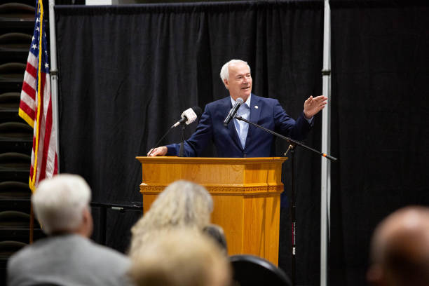 AR: Arkansas Governor Hutchinson Hosts Community Covid-19 Discussion As Cases Rise