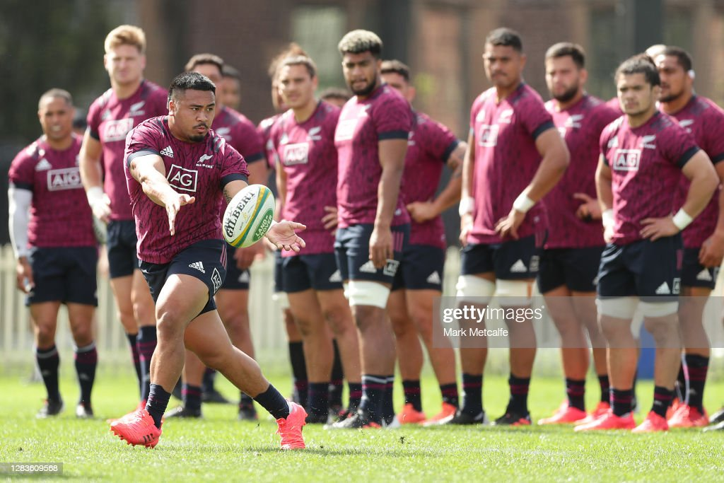 New Zealand All Blacks Training Session : Fotografía de noticias