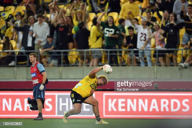 Asafo Aumua of the Hurricanes celebrates scoring a try during the round one Super Rugby Aotearoa match between the Hurricanes and the Blues at Sky...