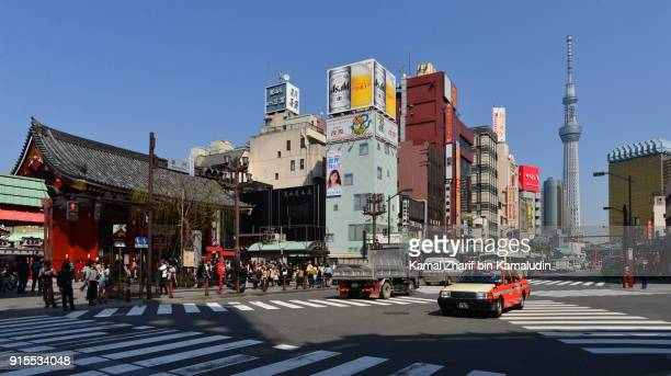 asakusa and tokyo skytree - 商業地域 ストックフォトと画像
