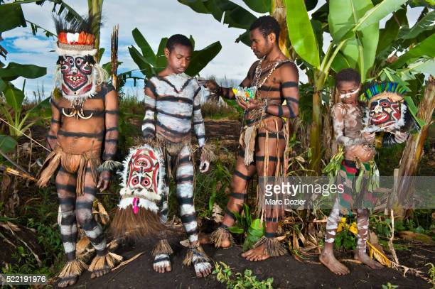 Asaro valley traditional group
