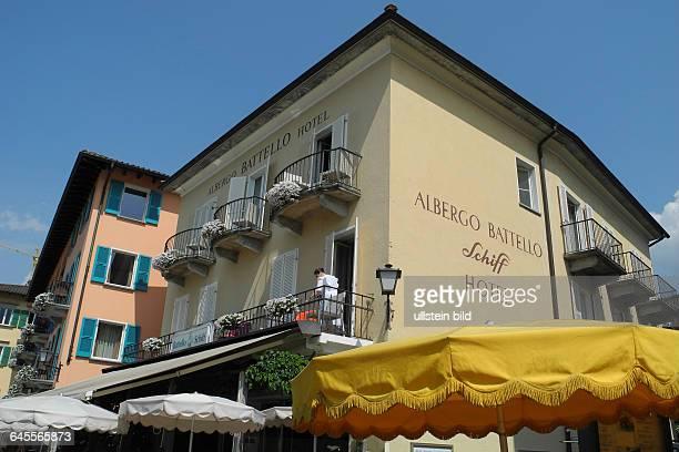 Ascona am Lago Maggiore, Uferpromenade mit vielen Restaurants.