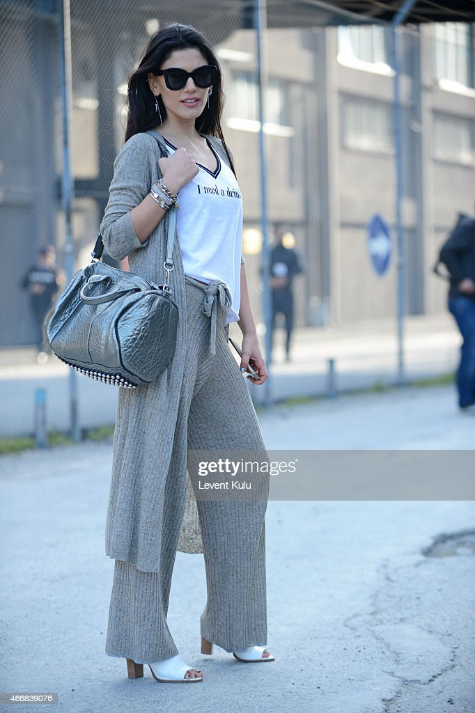 Street Style - Day 3 - Mercedes Benz Fashion Week Istanbul Fall/Winter 2015 : News Photo